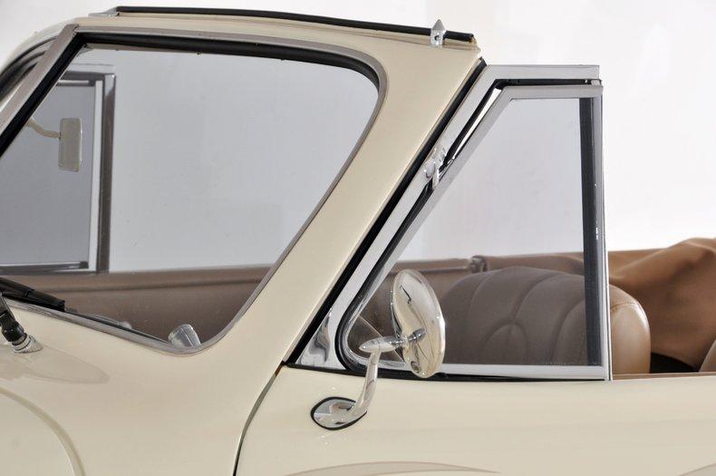 1940 Pontiac Deluxe Image 28