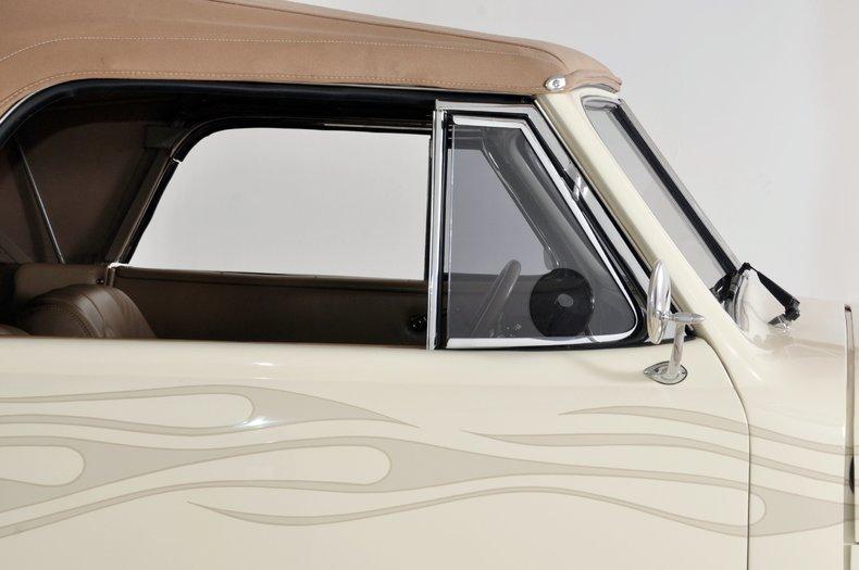 1940 Pontiac Deluxe Image 30