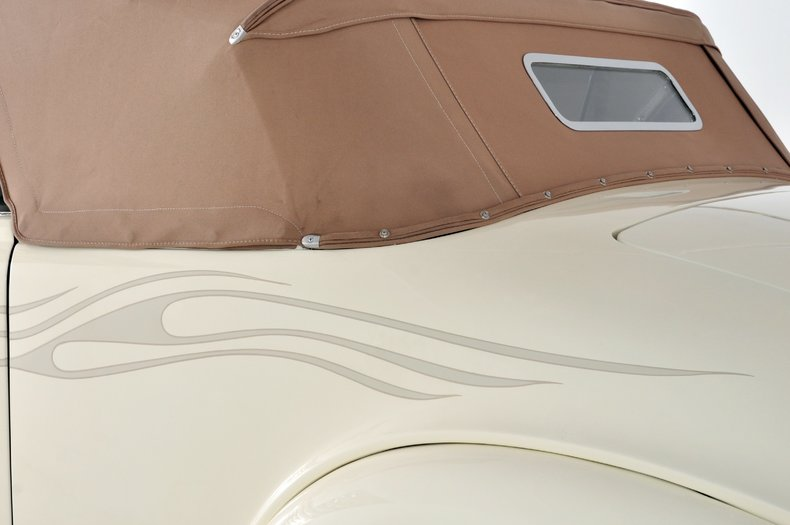 1940 Pontiac Deluxe Image 33