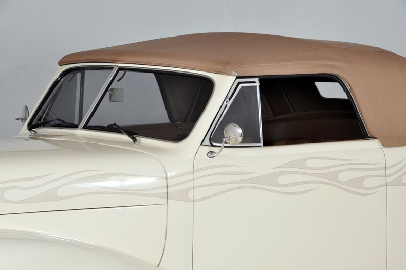1940 Pontiac Deluxe Image 36