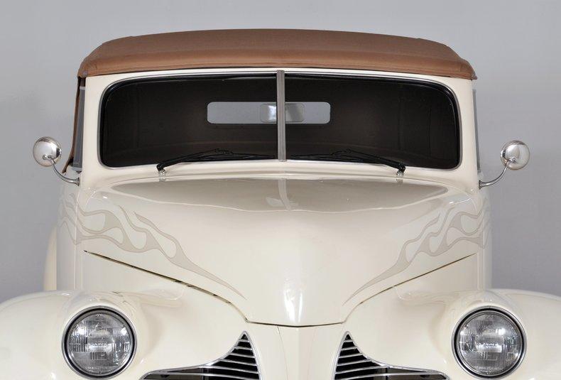1940 Pontiac Deluxe Image 40