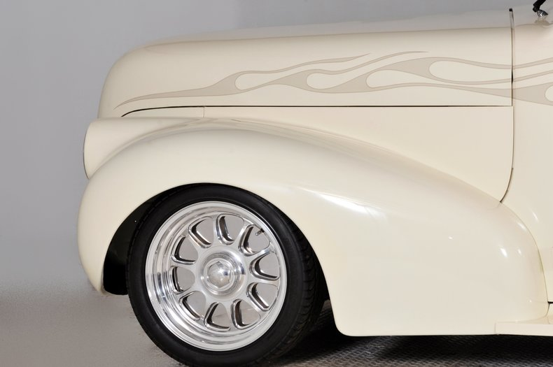 1940 Pontiac Deluxe Image 42