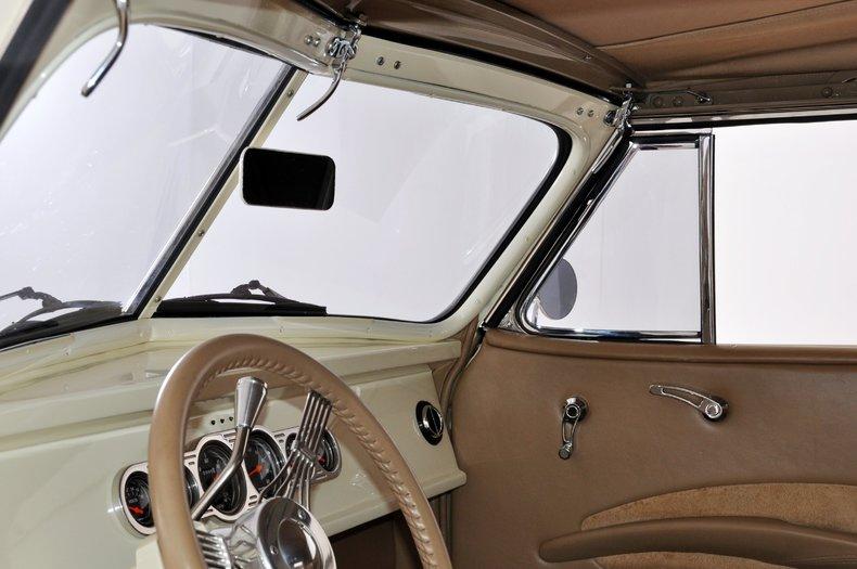 1940 Pontiac Deluxe Image 43