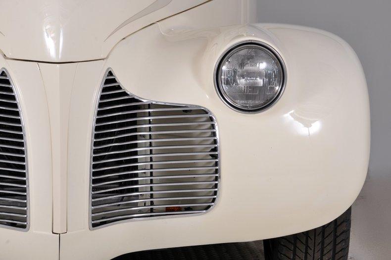 1940 Pontiac Deluxe Image 51