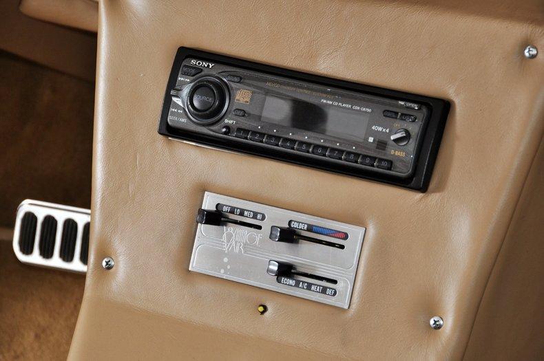 1940 Pontiac Deluxe Image 54