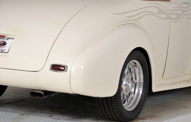 1940 Pontiac Deluxe Image 55
