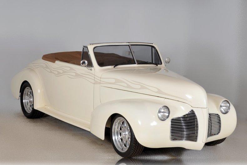 1940 Pontiac Deluxe Image 74