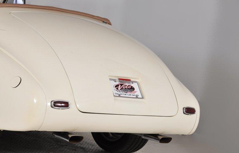 1940 Pontiac Deluxe Image 75