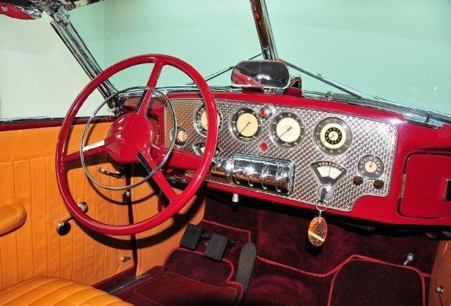 1937 Cord  Image 15