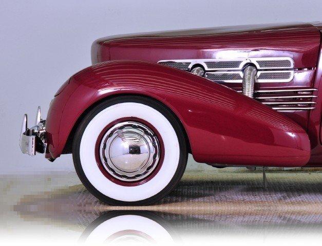 1937 Cord  Image 17
