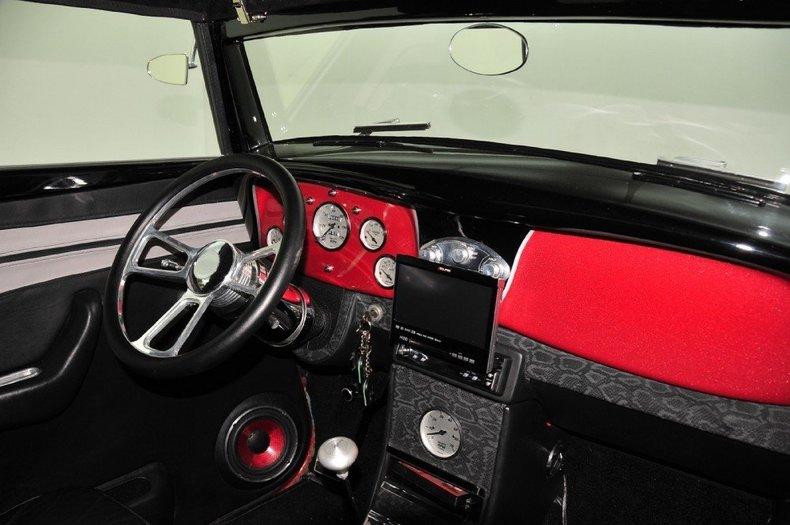 1934 Ford Custom Image 65
