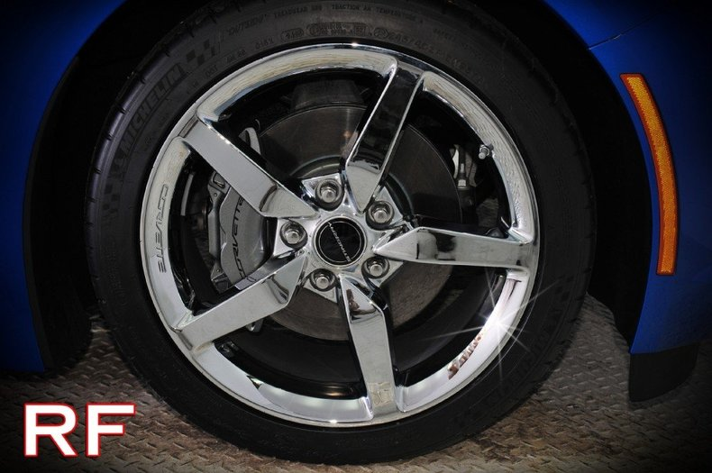 2014 Chevrolet Corvette Image 3