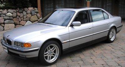 2000 BMW 750 Il Image 1