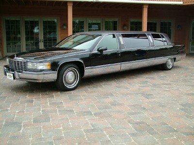 1994 Cadillac Fleetwood Image 1