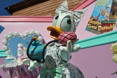 1990 Disney Daisey Image 1