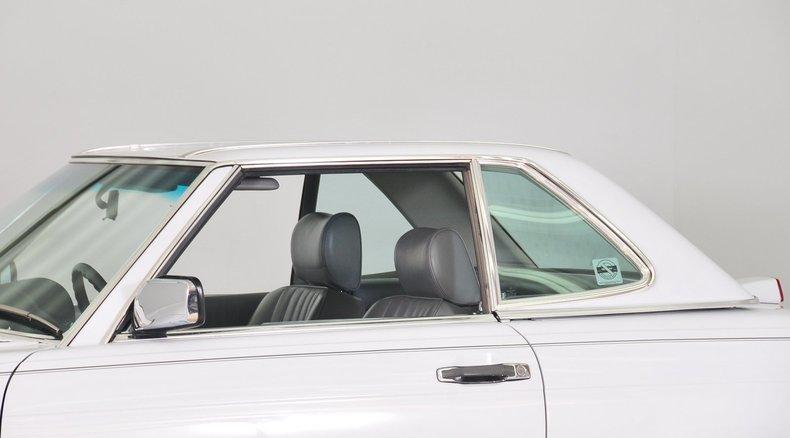 1987 Mercedes-Benz 560SL Image 8