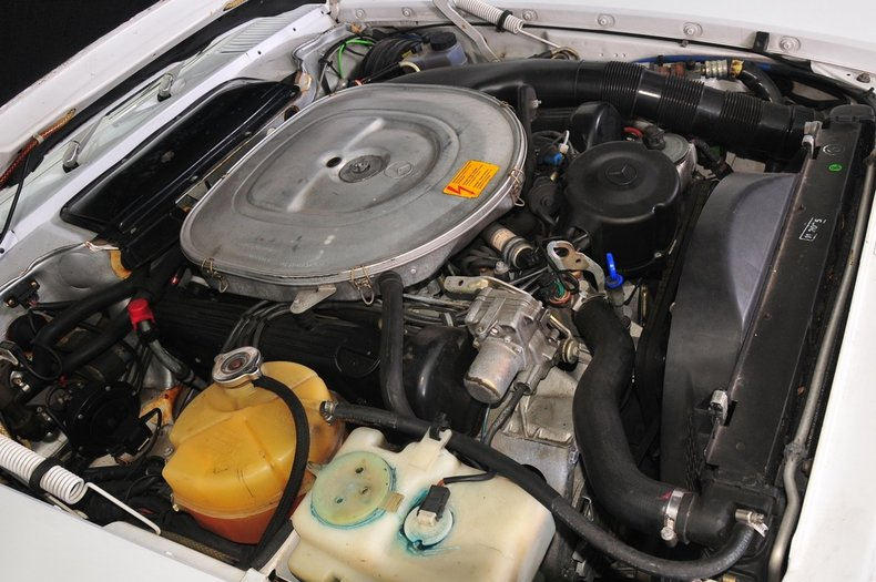 1987 Mercedes-Benz 560SL Image 32
