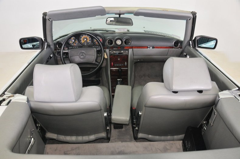 1987 Mercedes-Benz 560SL Image 34