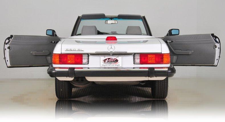 1987 Mercedes-Benz 560SL Image 37