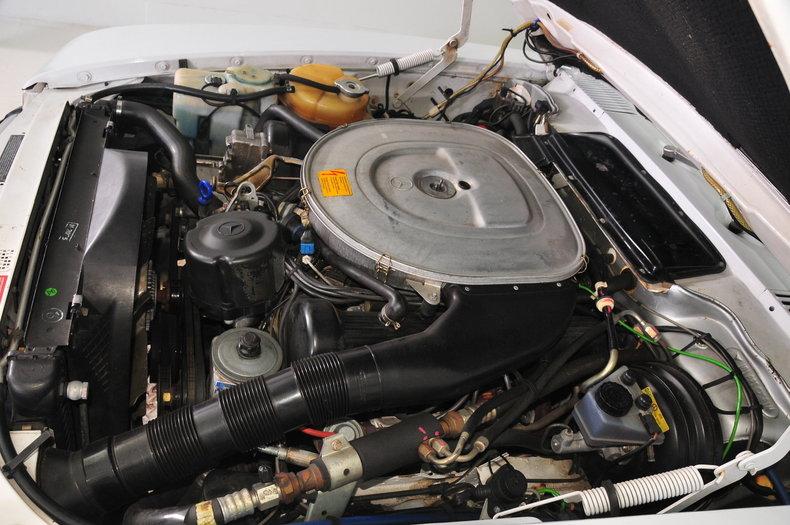 1987 Mercedes-Benz 560SL Image 56