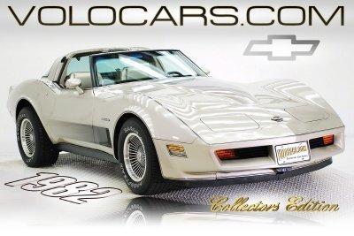 1982 Chevrolet Corvette Image 1