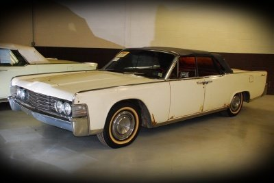 1965 Lincoln Continental Image 1