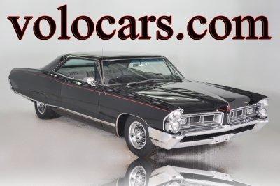 1965 Pontiac Grand Prix Image 1