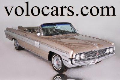 1962 Oldsmobile Starfire Image 1