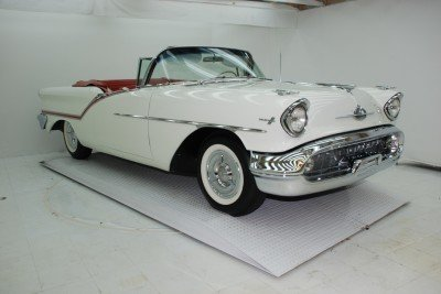 1957 Oldsmobile Super 88 Image 1