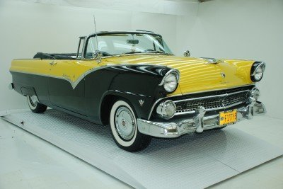 1955 Ford Fairlane Image 1