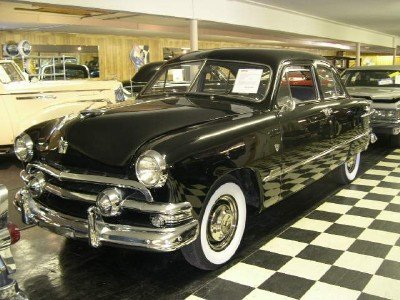 1951 Ford Deluxe Image 1