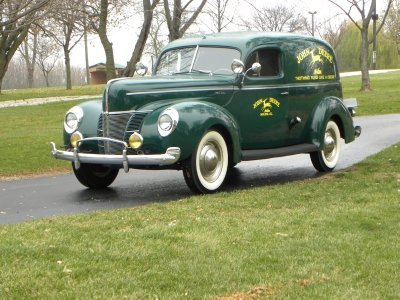 1940 Ford Deluxe Image 1