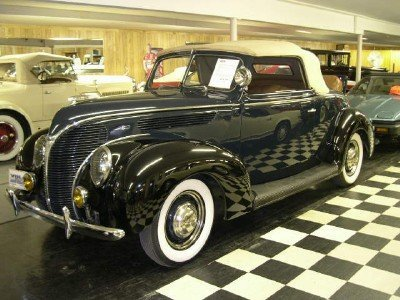 1938 Ford Deluxe Convertible Coupe Image 1