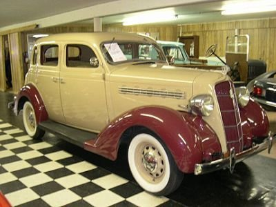1935 Plymouth Deluxe Image 1