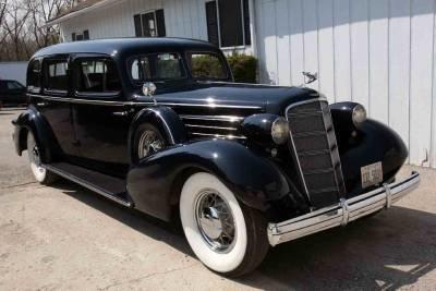 1935 Cadillac  Image 1