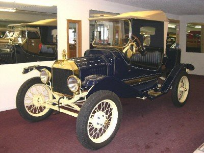 1915 Ford Pre 1950 Image 1