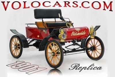 1901 Oldsmobile Curved Dash Image 1