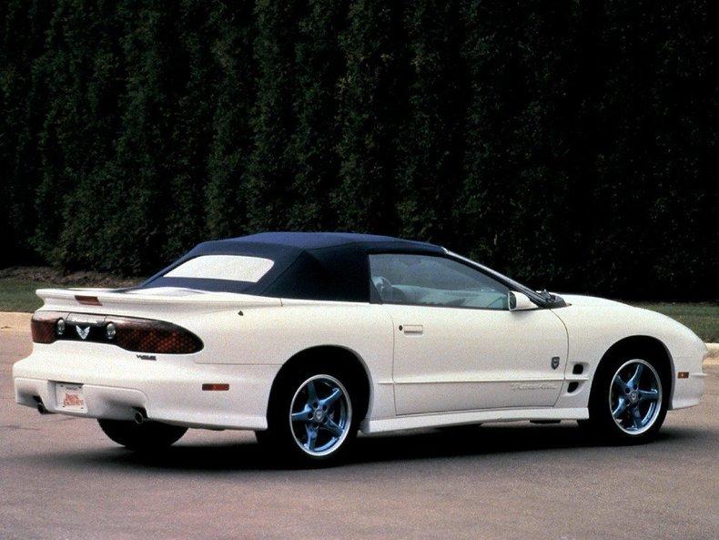 1999 Pontiac Trans Am Image 3