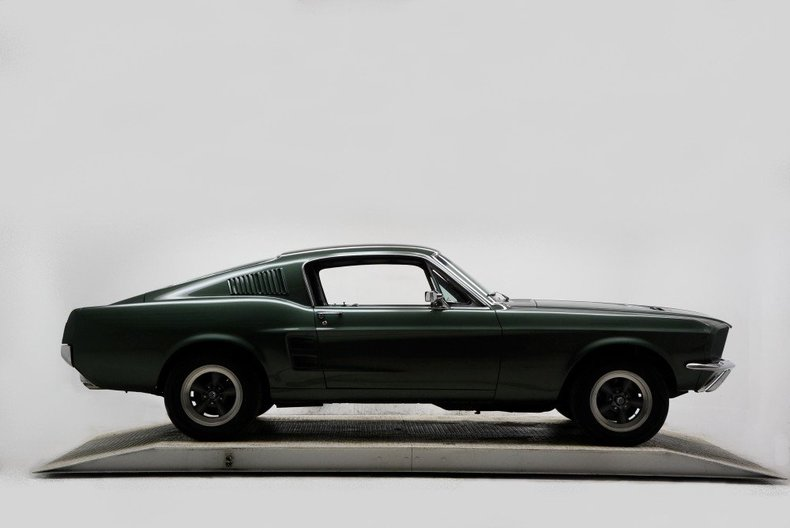 1967 Ford Mustang Image 2