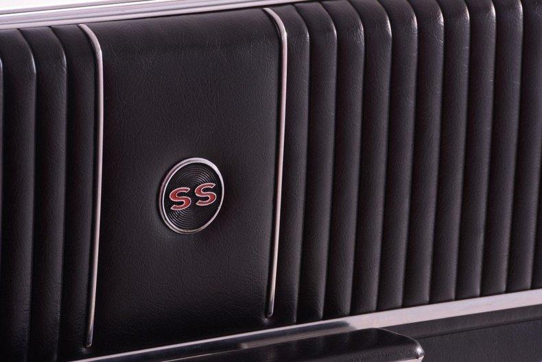 1964 Chevrolet Impala Image 132