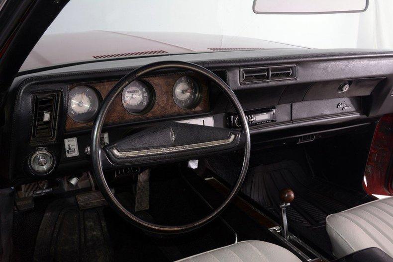 1970 Oldsmobile Cutlass Image 12