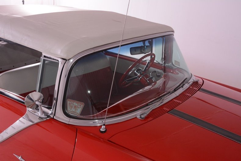 1955 Pontiac Bonneville Image 90