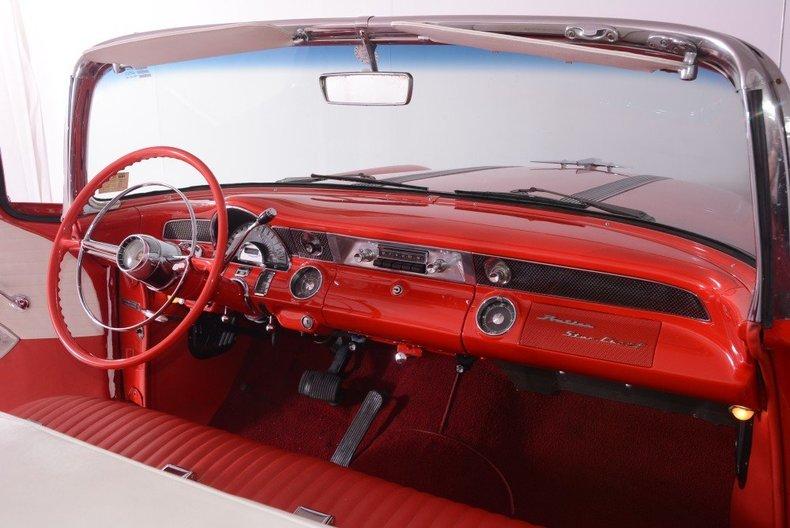 1955 Pontiac Bonneville Image 104