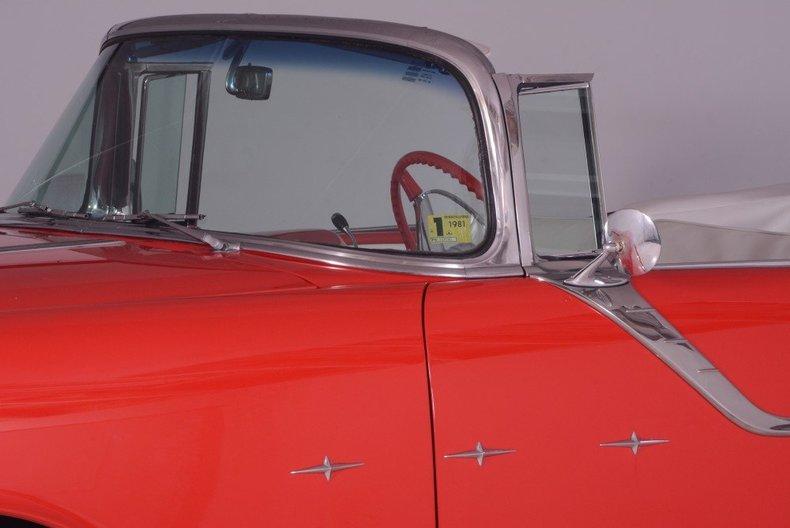 1955 Pontiac Bonneville Image 114
