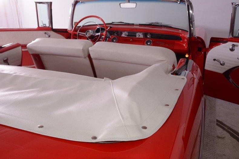 1955 Pontiac Bonneville Image 45