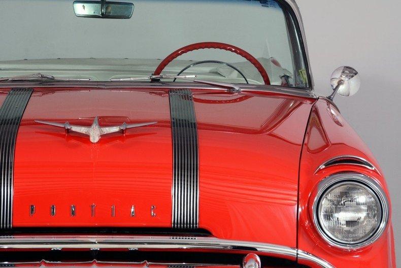 1955 Pontiac Bonneville Image 30