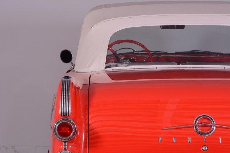 1955 Pontiac Bonneville Image 22