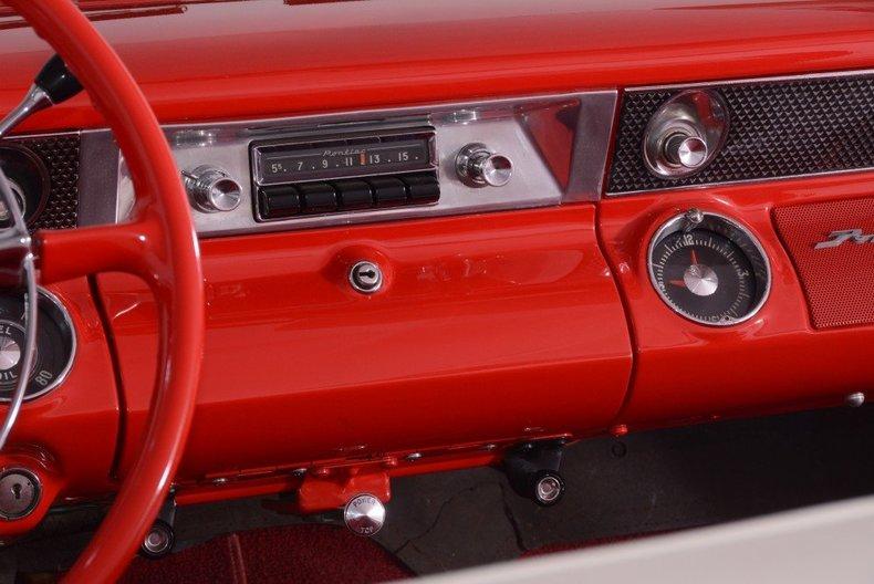 1955 Pontiac Bonneville Image 18