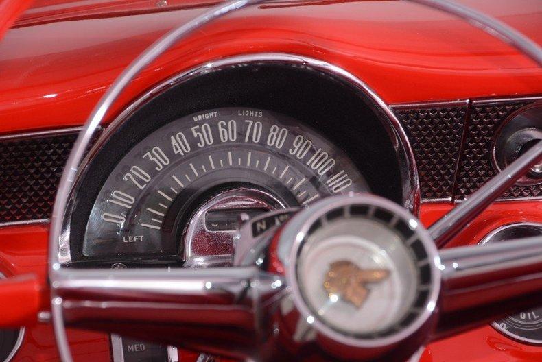 1955 Pontiac Bonneville Image 111