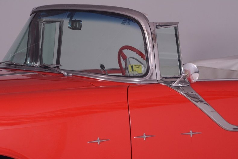 1955 Pontiac Bonneville Image 75